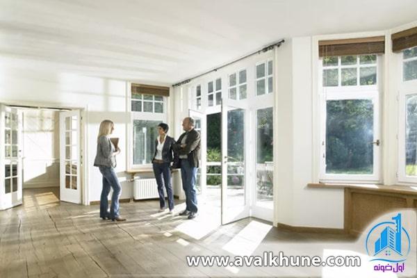 مشورت با مشاور املاک برای خرید آپارتمان داخل شهر